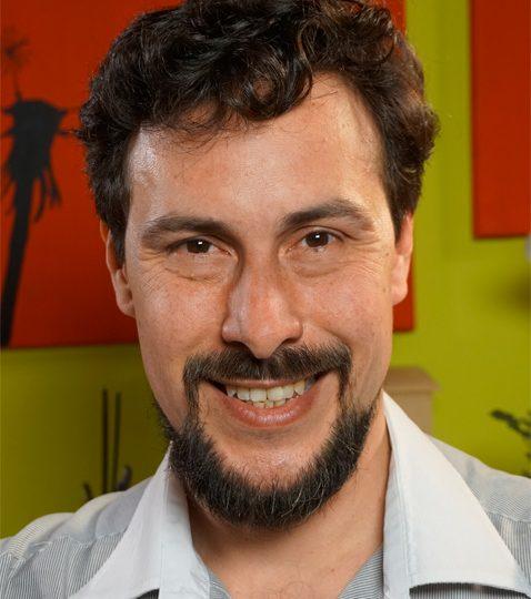 http://ficfusa.com/wp-content/uploads/2019/11/Gines-Velazquez_tallerista-ficfusa-478x540.jpg